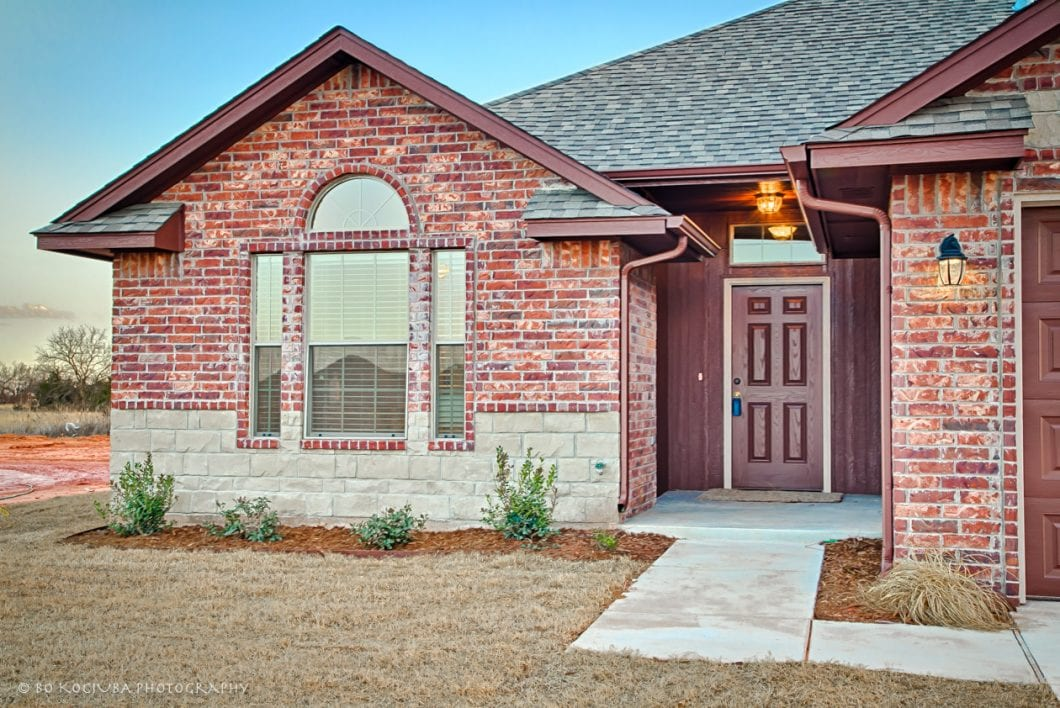 MUSTANG OK HOMES - 1828 W Crossbow Way - HUNTERS HILL