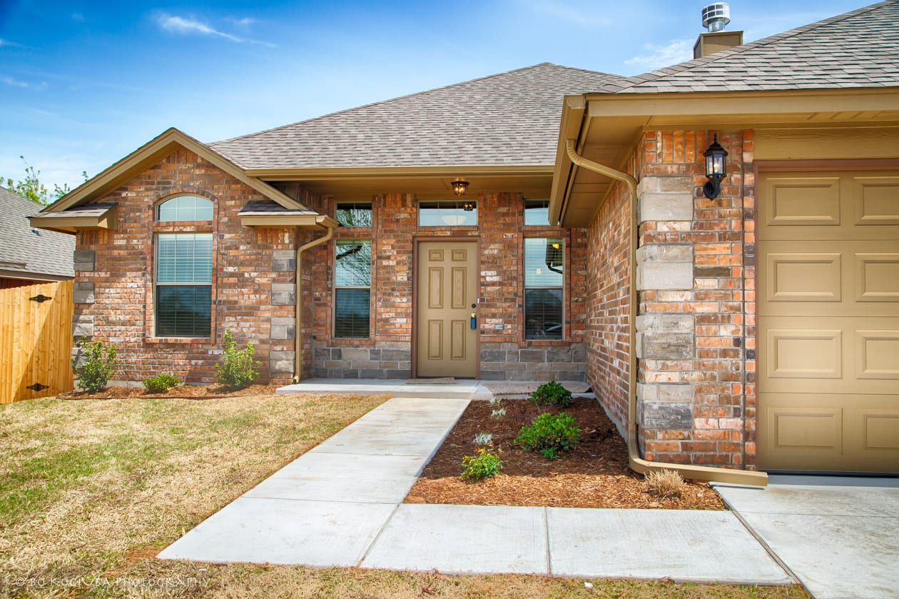 JUST SOLD - 4525 OASIS COURT NEW HOME IN YUKON
