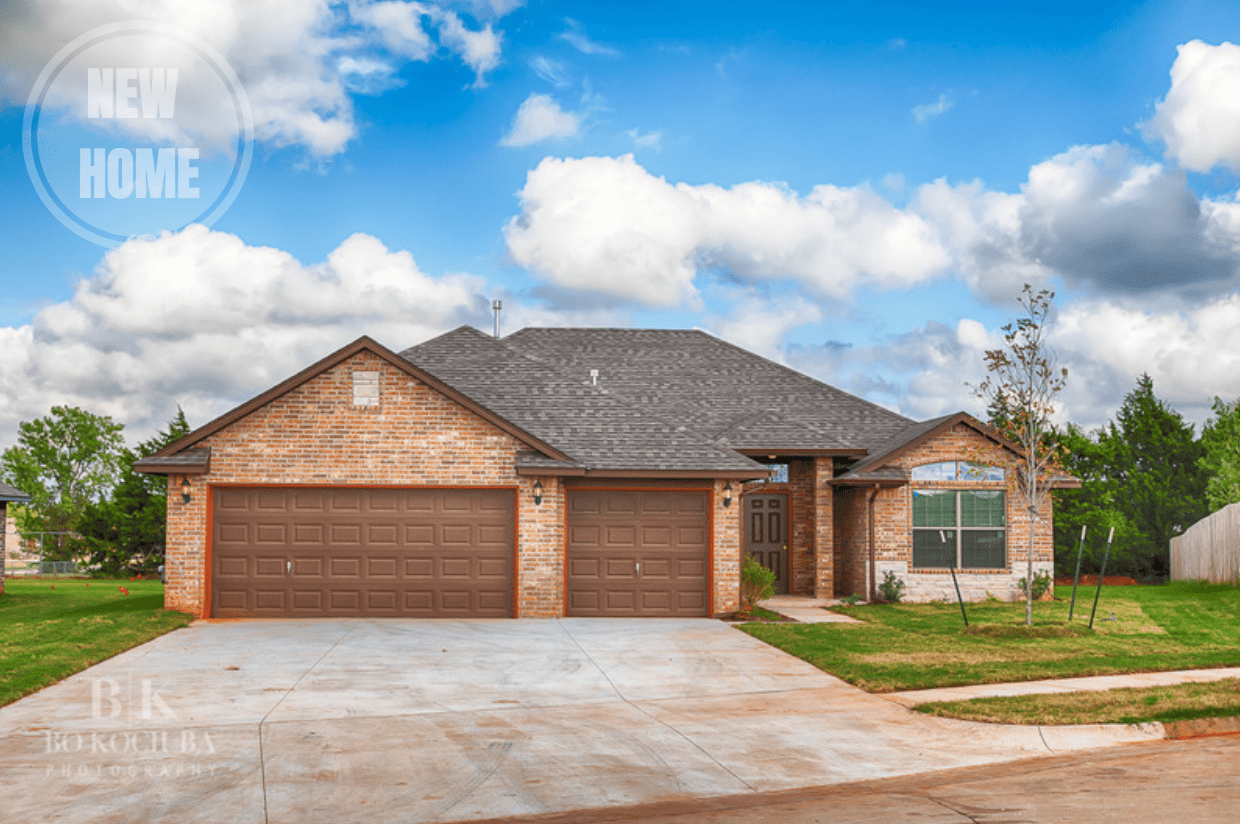 MUSTANG NEW HOME 4BED+3GAR WITH OPEN CONCEPT LIVING & BONUS
