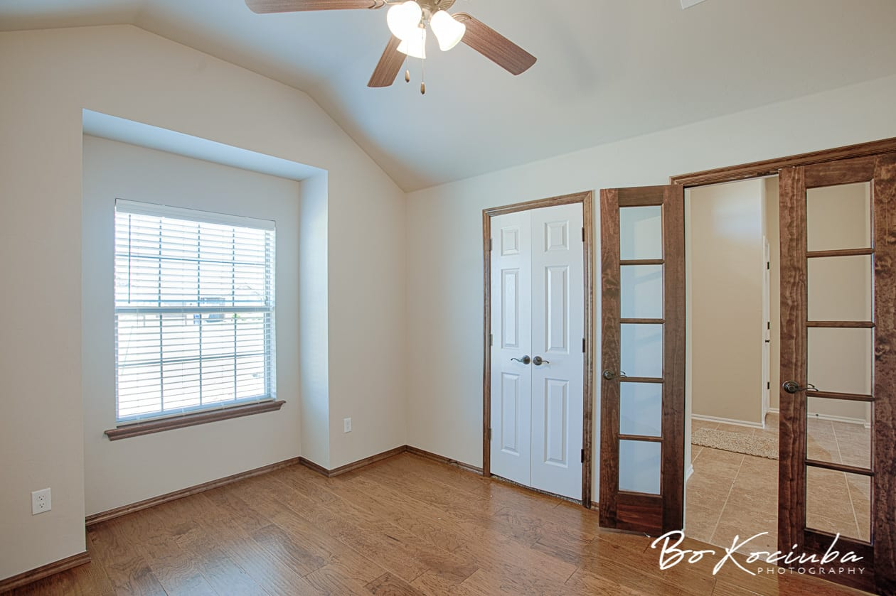 New 4BED Home Walk-in Pantry, Roman Shower in Yukon Schools